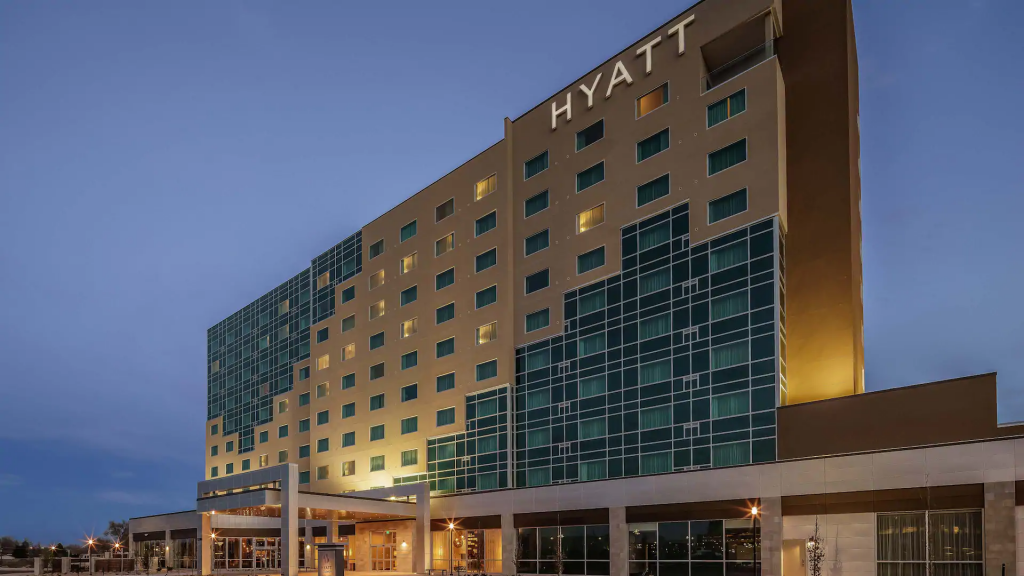 Hyatt-Regency-Aurora-Denver-Conference-Center-P003-Exterior.16x9